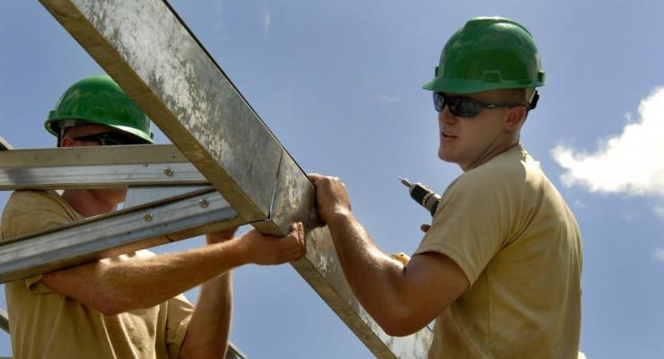 Łamanie praw pracowniczych
