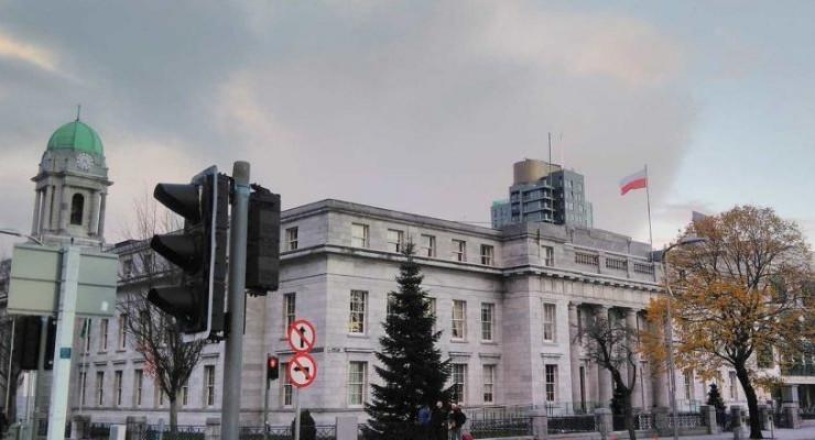 Polska flaga nad Urzędem Miasta Cork