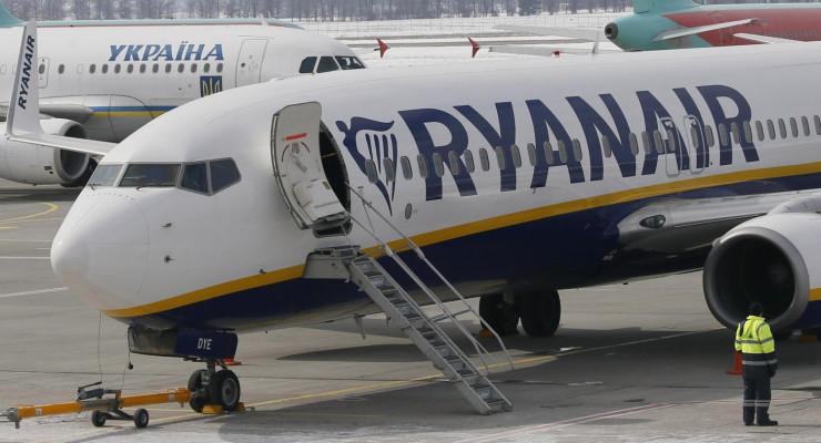 Ryanair zamyka bazy w Cork i Shannon
